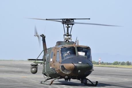 28.04.15ヘリコプター映像伝送機離陸(西方部方面航空隊 (1).jpg