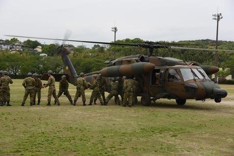 28.04.18物資輸送(第8飛行隊・第43普通科連隊北熊本駐屯地 (2).JPG
