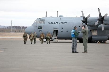 28.04.18物資輸送(米空軍・第27普通科連隊)千歳基地 (2).jpg